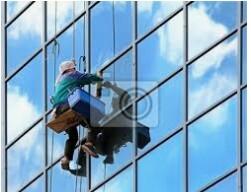 HIRING NOW HIGH RISE WINDOW CLEANER Limpiador de ventanas en edificios (HIALEAH)