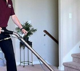 Experienced Carpet, Upholstery, Tile and Grout Cleaning Technician (33181)