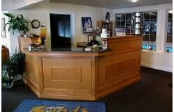 FRONT DESK RECEPTIONIST, full time + OT (Clearwater)