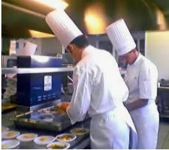 Server / Cashier / Line cook (NORTH MIAMI)