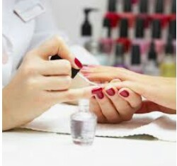 Experenced Nail Tech Needed (10400 San Jose Blvd)