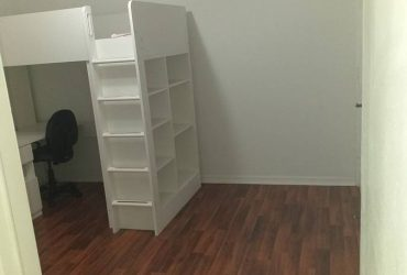 $900 Great private room for 900 x month with private entrance (Miami Lakes)
