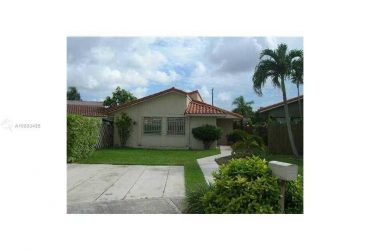 $2200 / 3br – 1435ft2 – UPDATED & HUGE 3/2 single family HOME – KENDALL – TILE FLOOR – W/D !!! (MIAMI – KENDALL)