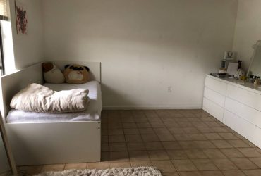$750 Room for Rent / Cuarto en Renta $750 Kendall Area (Miller / Kendall)