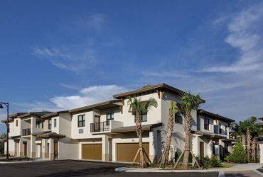 $2895 / 4br – 1646ft2 – Townhomes Available, Tile backsplash, Ceramic tile bathroom floors (Palm Beach Gardens)