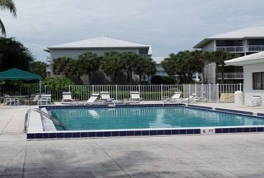 $1475 / 2br – Golf course view, 4 pools, clubhouse, free water-cable (West Palm Beach)