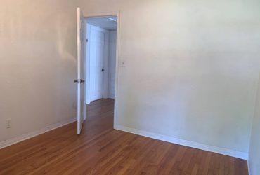 $700 St Petersburg Room Available (Historic Kenwood)