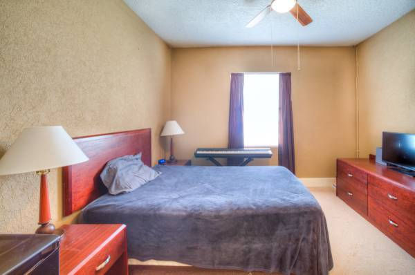 $370 Good News Room Seekers – Come and see the room currently I'm renting!