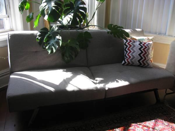 Free Sofa bed / futon (Brooklyn)