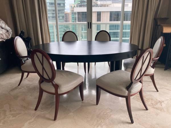 Free Dining Room Table – GRATIS (Miami)