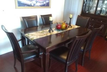 DINING TABLE W/6 CHAIRS (MIAMI)