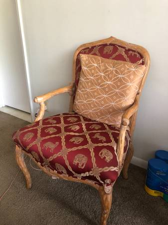 All household and furniture must go (West Palm Beach)