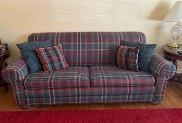 Lazyboy Queen Sleeper Sofa (Lake Worth Beach – East Lake Worth)