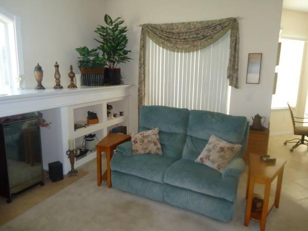 Free Nice Furniture (Tampa)