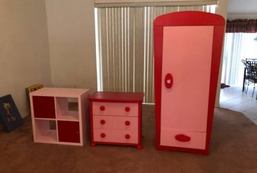 CHILDREN'S FURNITURE, COUCH,TABLES ,TOYS AND BOOKS (New Port Richey)