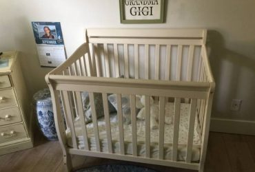 Small Baby Bed (Winter Park)