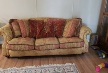Free Couch (Oldsmar)