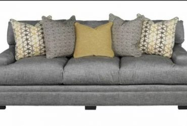 Cindy Crawford Couch (Casselberry)