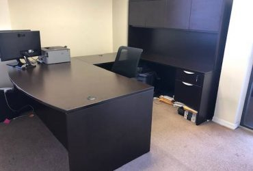 Free office furniture (MIAMI)