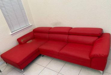 FREE LEATHER COUCH (West Kendall)