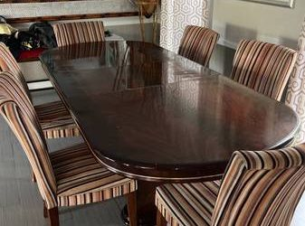 Free Dining Room table (Cooper City)