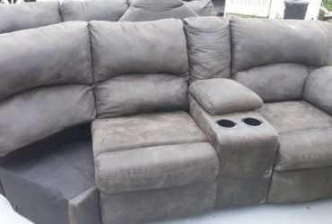 Free sectional couch (Arcadia gardens)