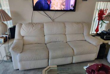 Free couch (Jupiter)