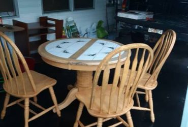 Dining room set table and 3 chairs (Saint Petersburg)