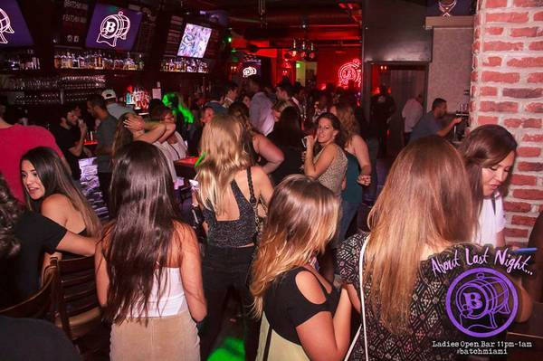 Batch Gastropub-Hiring Bartenders, Servers, Hosts, Bussers, Cooks (Brickell – Miami)