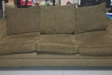 free couch (Tampa)