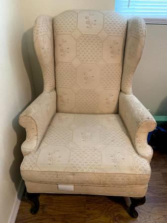 Cushion Chair (Orlando)
