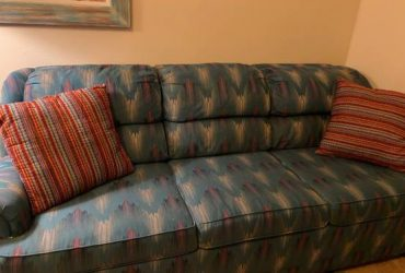 Free Sofa Bed & Quilt Rack (Bunnell)