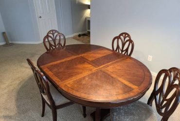 Free.Dining room table and chairs