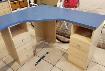 FREE DIY-Pick up only-Sturdy modular desk (SOUTH MIAMI)
