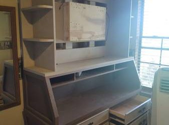 ENTERTAINMENT CENTER (East Orlando (Chickasaw))