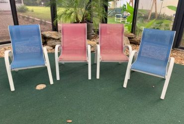 4 childs lawn chairs (Orlando)