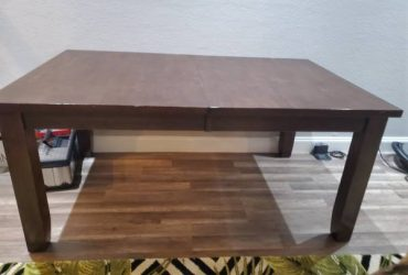 Wood table (Riverview)