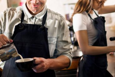 CASHIER / BARISTA en FARM TO TABLE CAFÉ (Riverdale, Bronx)
