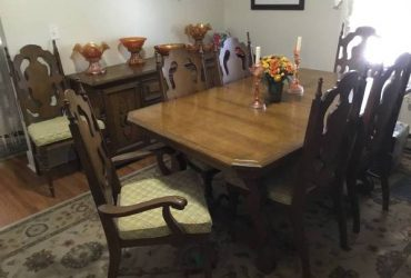FREE Dining room furniture (Sarasota)