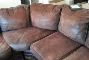 Sectional sofa (MIAMI GARDENS)