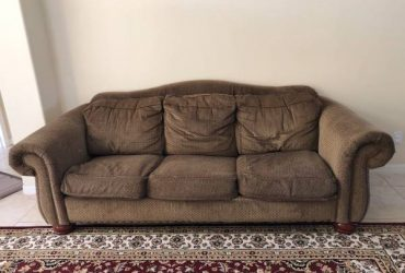 La-Z-Boy Couch and Loveseat MOVING! MUST GO BY (Clermont)