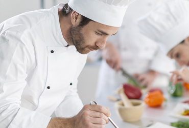 SOUS CHEF/LINE COOK WITH 3 + YRS EXP., TUE-SAT, FULL TIME JOB (SUNRISE, FL)