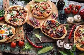 Pizza Maker and Line Cooks (Orlando UCF)