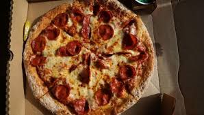 NOW HIRING PIZZA MAKERS! (HOLLYWOOD)