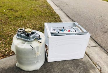 Washing Machine – Curb Alert – Scrap (Saint Petersburg)