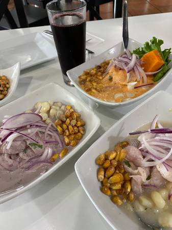 Servers/ meseras (os)/ chef/ kitchen help (Margate)