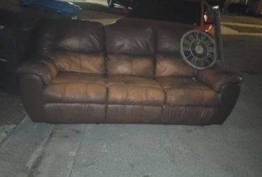 Real Leather Recliner Couch (Longwood)