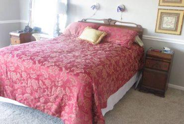 4-pc vintage art deco bedroom set (Nassau Bay)