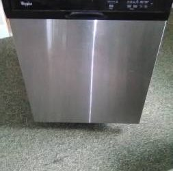 Free Whirlpool dishwasher in good condition (Lake Worth)