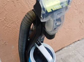 Free NON working vacuum cleaner (Curry Ford)